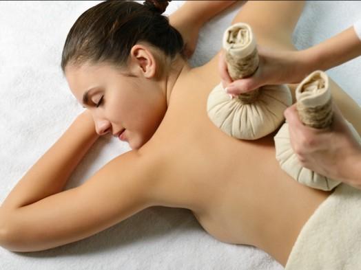Тайский масляный массаж с травяными мешочками «Тайская легенда»