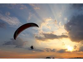 Обучение полетам на паралете.